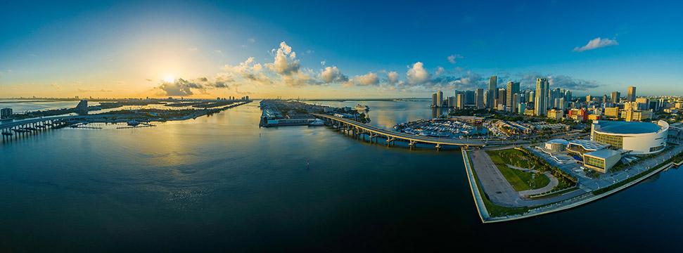 prise vue panoramique drone d'une ville